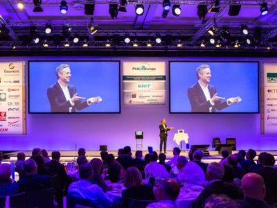 iPad Zauberer Simon Pierro ist der perfekte Show Act zum Thema Digitalisierung
